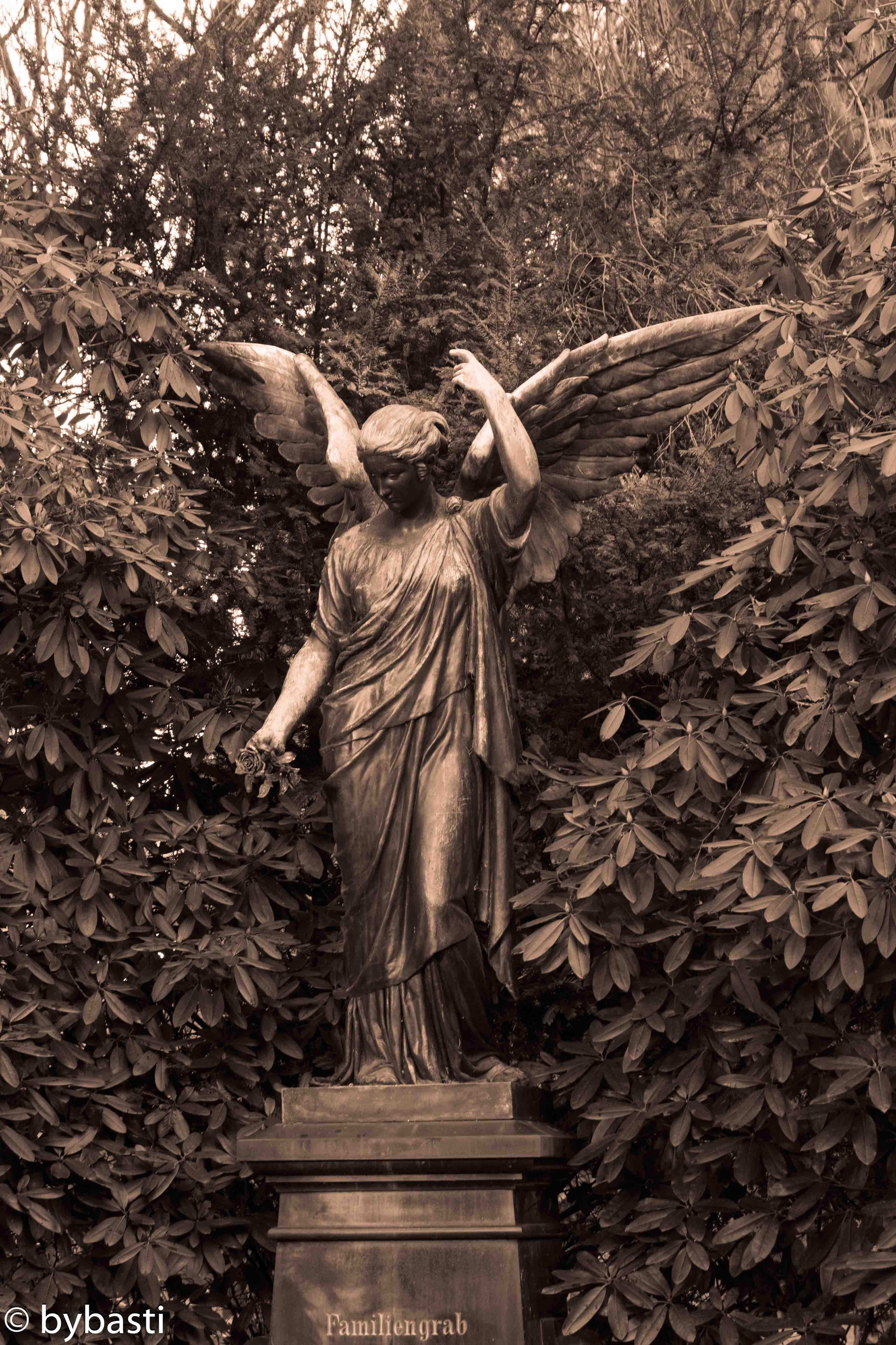 Hamburg Ohlsdorf cemetery -16
