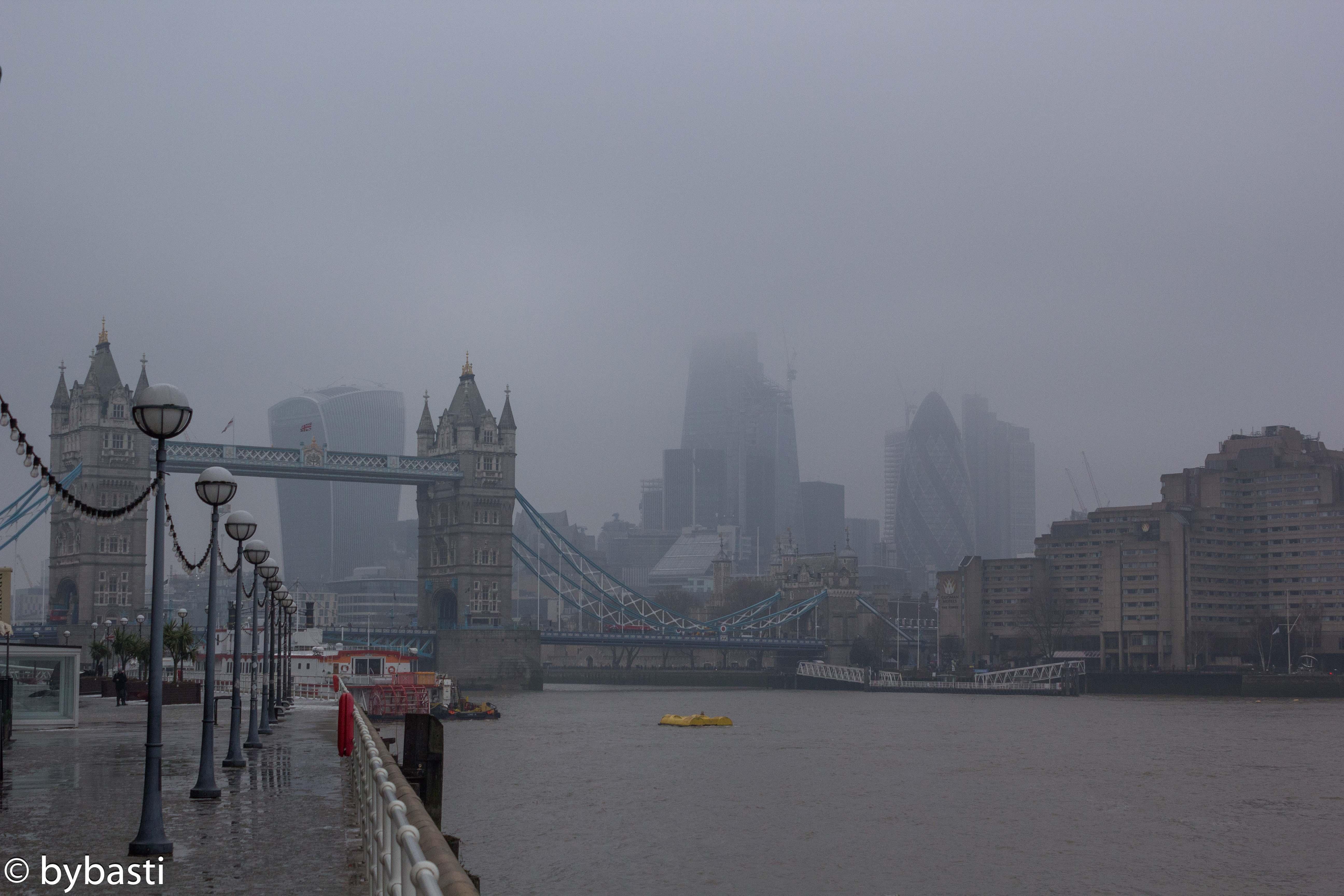 London 044